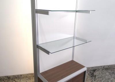 Display de alumínio para mostruário, com lightbox iluminado por LEDs na parte posterior com imagem impressa em tecido